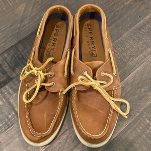Sherry Topsider Tan Deck Shoes. VGC. Sz 11
